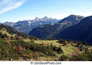 Autumn in the mountains - Mountain world in autumn in Tyrol,...