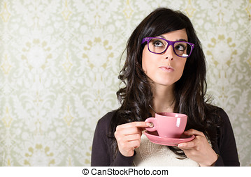 Woman thinking with cofffe cup - Casual woman thinking and...