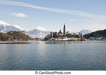 Lake Bled with castle behind, Bled, Slovenia - Lake Bled...