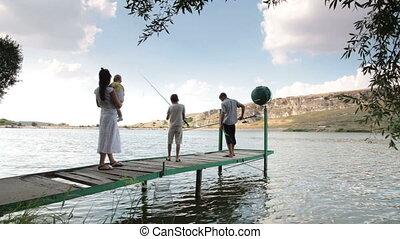 Family vacation at the lake