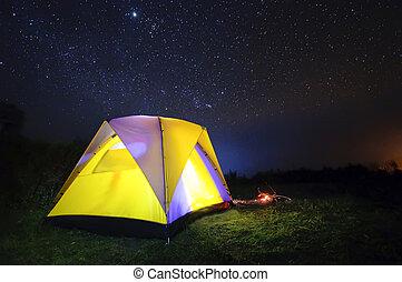 acampamento, noturna