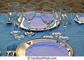 Tropical wedding place setting 06