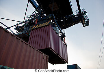 Container loading - cargo containers at the shipping port