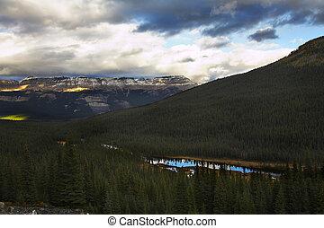 Grandiose mountain landscape - Grandiose mountain Canadian...