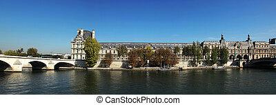 Pavillon de Flore Louvre Paris - the Pavillon de Flore is a...
