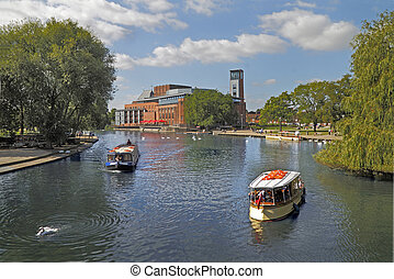 Stratford on Avon - The river at Stratford on Avon is a...