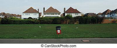 Rubbish Bin , Worthing - Rubbish bin and Seagulls, Worthing