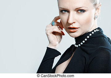 Jewelry - Screaming lady in strylish dress with jewelry