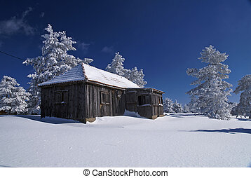 Mountain mountain house - Mountain house in snow, winter...