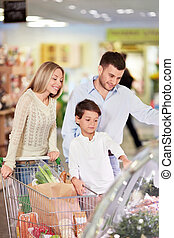 Store - Family with a child in a store