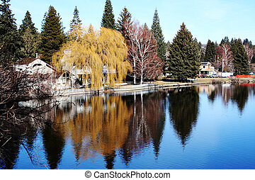 The Deschutes River, Bend, Oregon - A colourful tranquil...