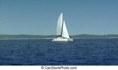 catamaran boat to boat