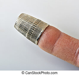 dedal, dedo