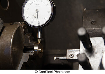 dial gauge check roundness of part on lathe manual