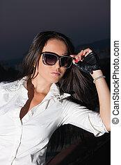 Women with glasses - Portrait brunette woman in black...
