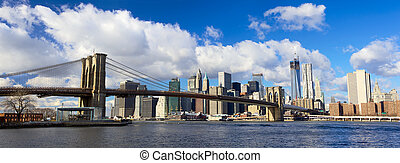 Brooklyn Bridge and Manhattan panorama - Panoramic view of...