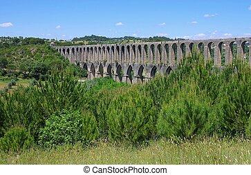 Tomar aqueduct 11