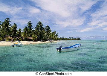 Fiji, Malolo Lailai Island - Fiji, beach on Malolo Lailai...