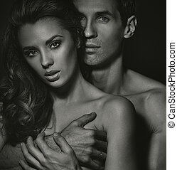Blac-white portrait of sensual couple - Blac-white portrait...