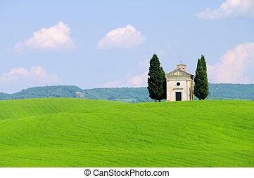 Tuscany chapel 01
