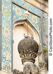Tomb detail with Pigeons - Finial with pigeons with tiled...