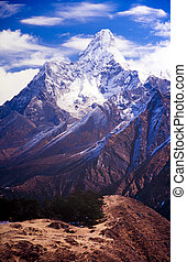 Ama Dablam, Nepal Himalaya - Ama Dablam in the Everest...