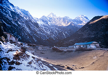 Himalayan Teahouse - Teahouses along the trail to Mount...