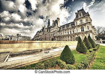 Wonderful view of Hotel de Ville, Paris.