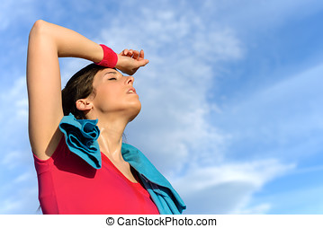 Tired fitness woman sweating - Sweaty fitness woman tired...