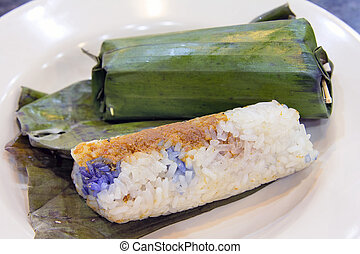 Nyonya Lemper Udang Glutinous Rice with Dried Shrimp Wrapped...