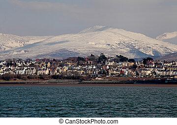 caernarfon from the menai strait - Medievil Caernarfon...