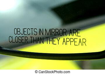 Automobile, specchio
