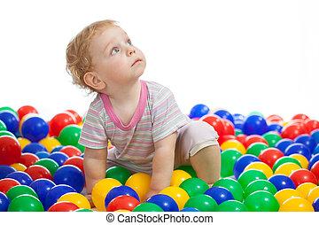 かわいい, ボール, カラフルである, の上, 遊び, 見る, 子供, ∥あるいは∥, 子供