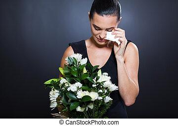 triste, mulher, luto, roupas, chorando