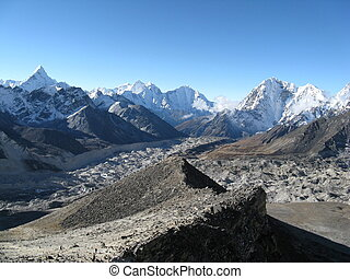 Mountain Scenery - Mountain Scenery from Kala Patar, Everest...