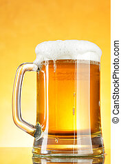 Beer mug with froth