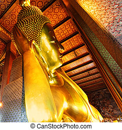 Lying Golden Buddha in Wat Pho temple, Bangkok, Thailand