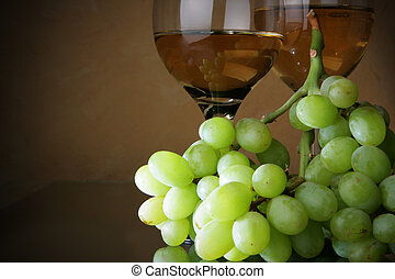 Grapes and wine - Still-life with bunch of grapes and white...