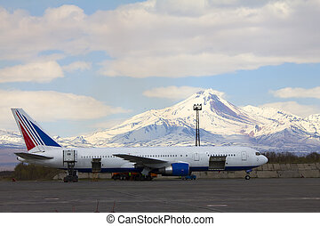 Volcano and plane - The plane against the Avacha volcano...