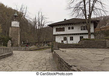 Old traditional houses in Etar - Architectural ethnographic...