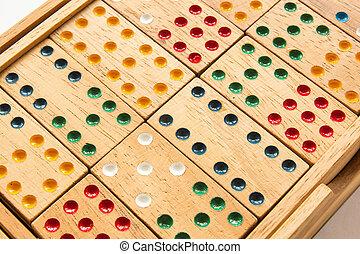 domino pattern detail