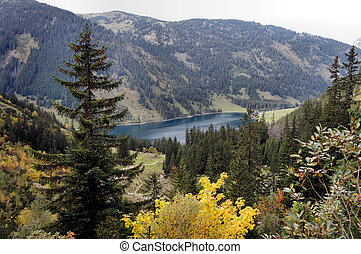 The Vilsalpsee in autumn - Mountain lake in Tannheimer...