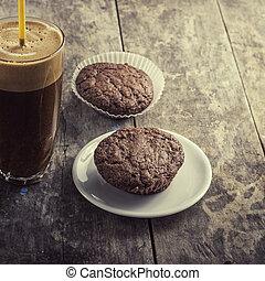 kawa, ciasteczka, stół