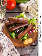 Picnic with grilled sausages - Picnic with grilled bbq...