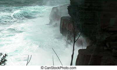 rough sea devils kitchen tasmania - rough sea at devils...
