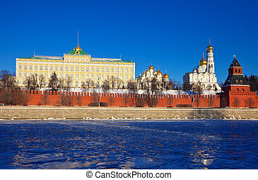 Moscow Kremlin in winter. Russia - View of Moscow Kremlin in...