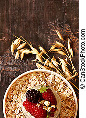 Oatmeal - Organic oat flakes with yogurt and berries