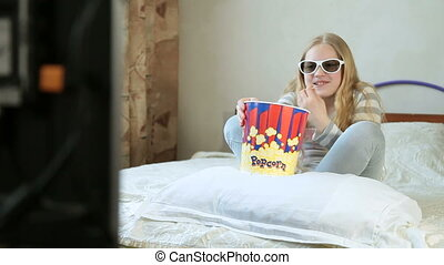 Girl Watching 3D TV Movie - Emotion - Little blonde girl...