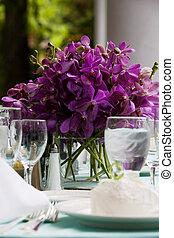 Wedding Table Decoration - Fancy table flower arrangement...