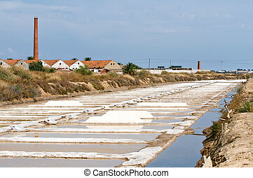 Saline marshes. - Portugal, Algarve. Saline marshes in...